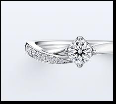 ひと粒石が象徴する北極星の凛とした輝きに、北斗七星を表した7石連なるメレダイヤモンド