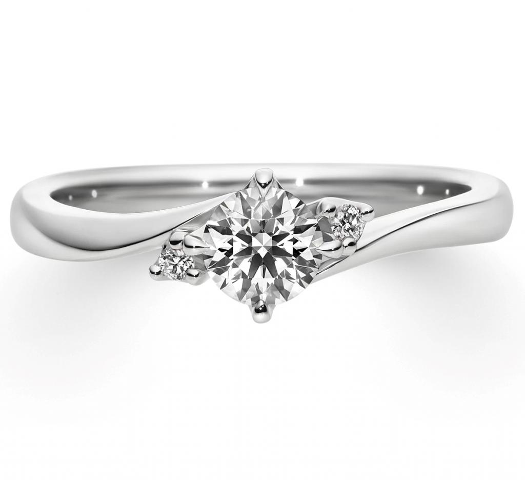 秋の夜空に浮かぶ婚約指輪♡