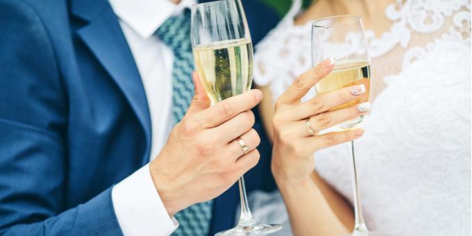 結婚式の乾杯の挨拶はどうする 基本の流れと盛り上げ方 結婚のきもち