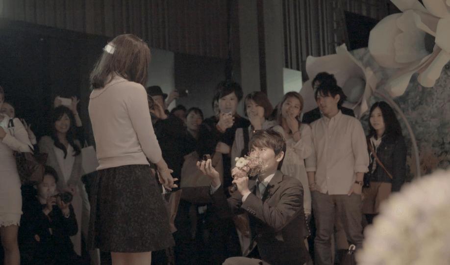 ホワイトデーの夜、幻想的なアート空間で公開プロポーズ。当日のレポートと動画を公開しました!