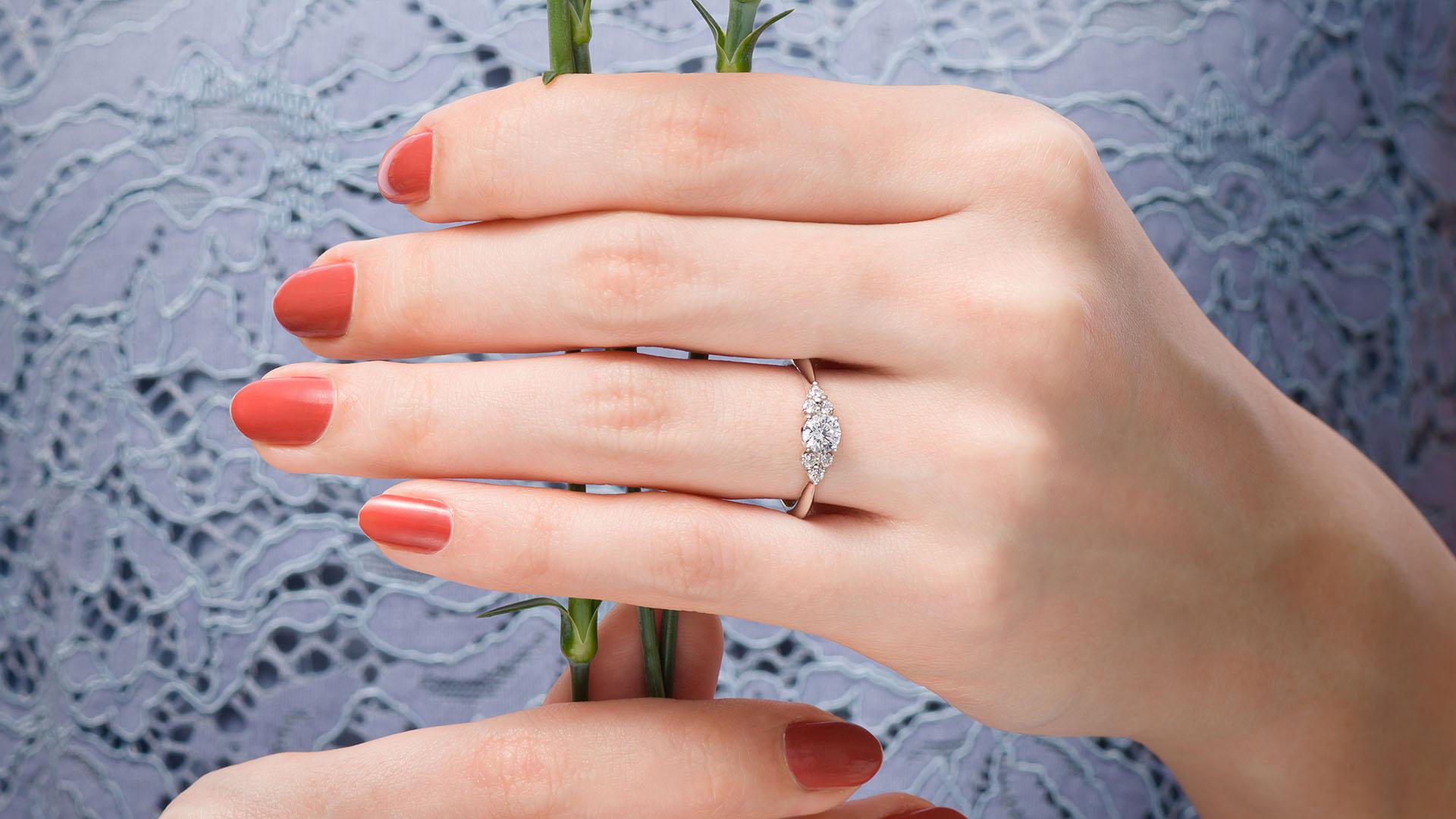 alcyone アルキオーネ   婚約指輪サムネイル 4