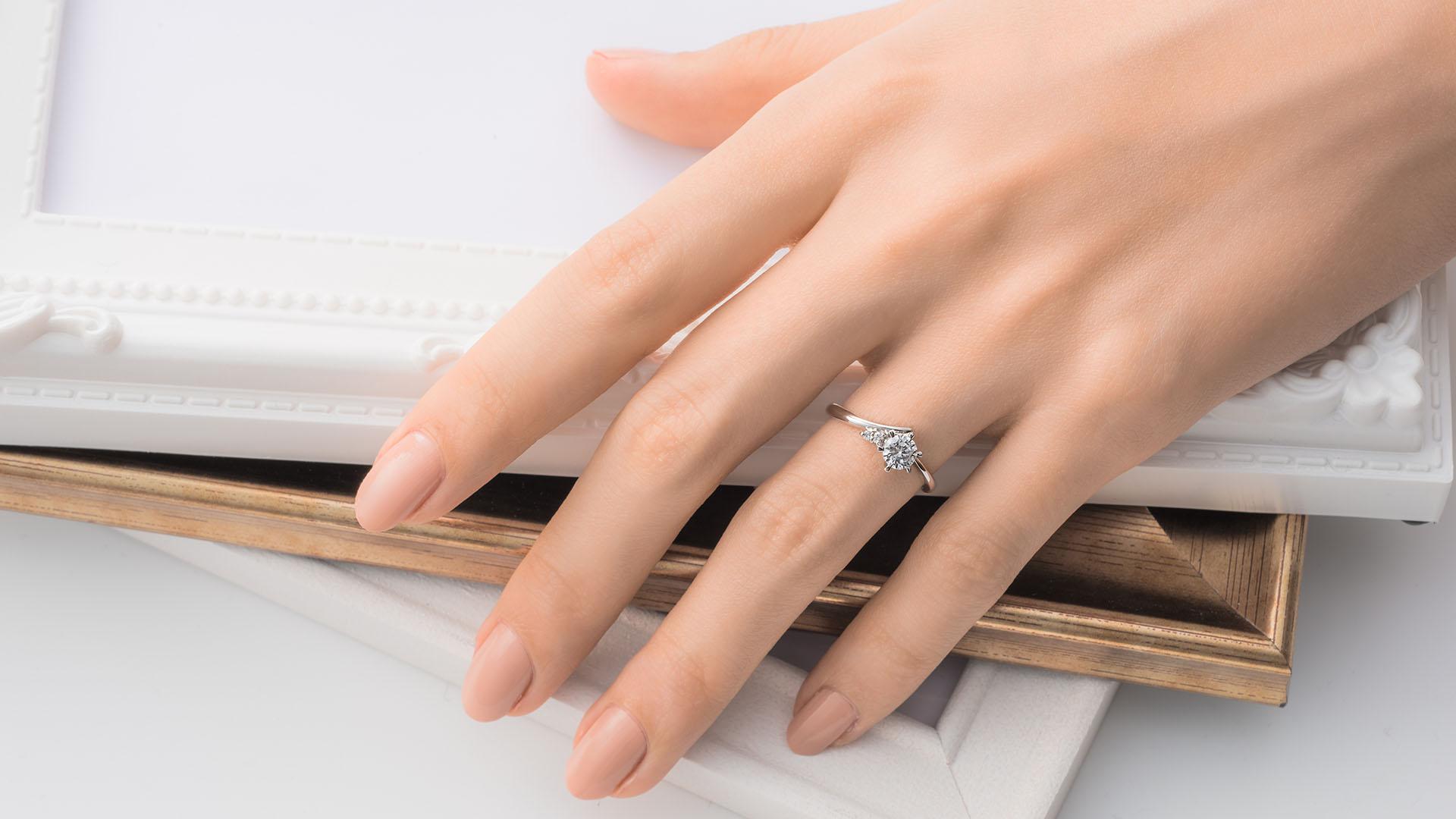 mira ミラ | 婚約指輪サムネイル 3