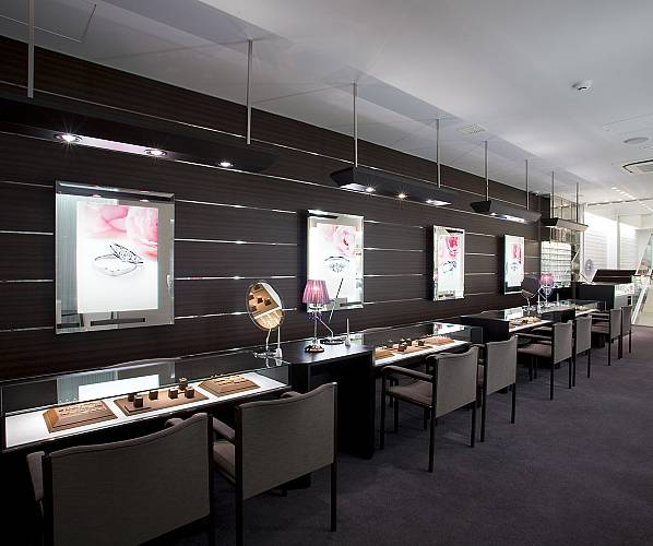 「アイプリモ新宿店 オープン」の画像検索結果