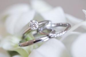 1カラットのダイヤモンドで婚約指輪を作るならどんなデザインがおすすめ?