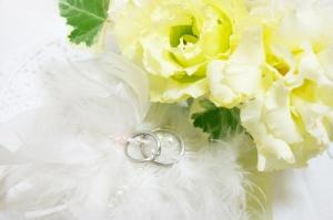 後悔しない、シンプルなデザインの結婚指輪選び!