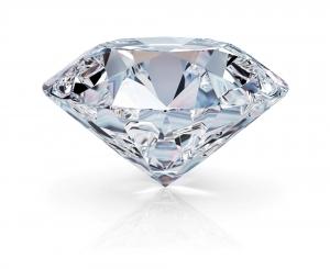今更聞けない!人工ダイヤモンドってどんなもの?偽物なの?