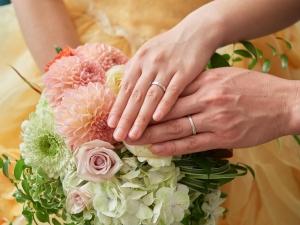 婚約指輪と結婚指輪のデザインの違いとは?